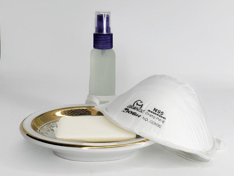 Фото мыла, маски и антисептика