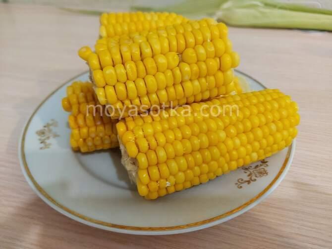 Фото вареной кукурузы