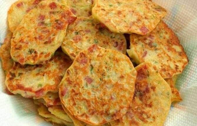 Фото оладьев с колбасой