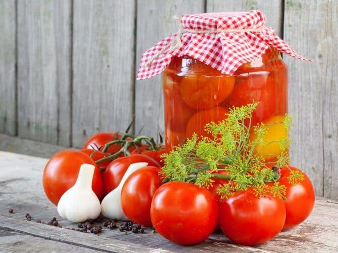 Фото помидоров в банках