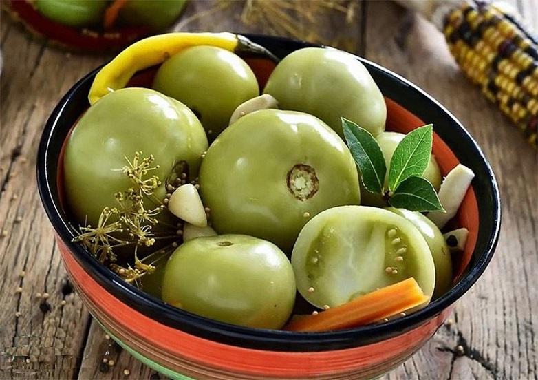 Как засолить зелёные помидоры на зиму, чтобы были хрустящими