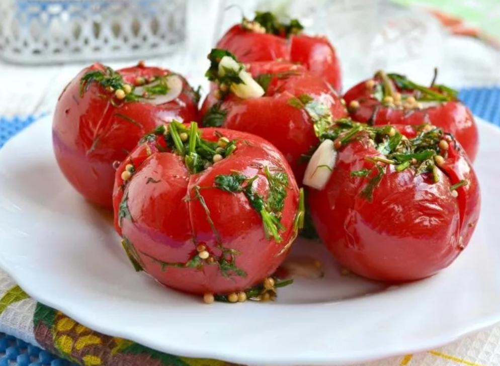 Малосольные помидоры с чесноком на зиму